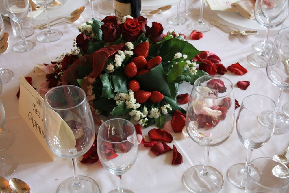 Fiori e frutta rosso